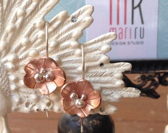Flores II - Textured sterling silver and Copper flower drop earrings