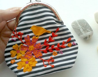 Embroider and sew a Purse. DIY kit. Purse making kit. Craft kit. Embroidery kit. Sewing kit. Fabric purse. Accessory. DIY clasp purse. Gift