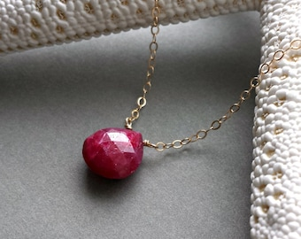 Ruby Solitaire Necklace, Hot Pink Gemstone Pendant, July Birthstone Necklace, Ruby Necklace, Minimalist Gemstone Jewelry, Birthstone Jewelry