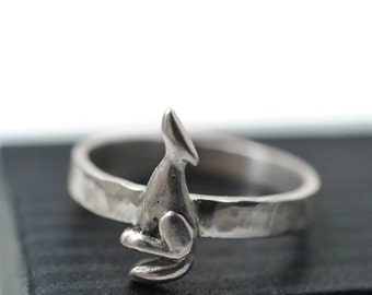 Silver Wolf Ring, Custom Engraved Animal Ring, Howling Wolf Ring, Personalized .925 Sterling Silver Coyote Ring, Wild Animal Jewelry