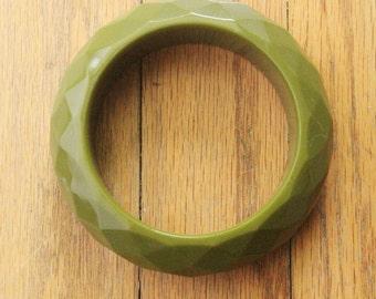 Vintage 40's Olive Green Faceted Bakelite Bracelet