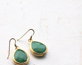 green or blue gold plated earrings- teardrop earrings- bridesmaids jewelry- wedding earrings- dangle drop earrings-jade drop jewellery