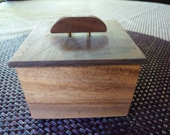 Handcrafted Monkey Pod and Walnut Wood Jewelry/ Keepsake Box with Decorative Handle
