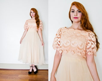 Vintage 1970s Dress - Miss Elliette Peach Lace Chiffon Pleated Party Dress 70s - Small