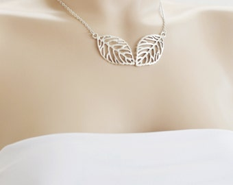 leaf necklace,silver leaf pendant,bridesmaid gift,nature inspired,maid of honor,leaf lariat,best friend necklace,friend gift,christmas idea