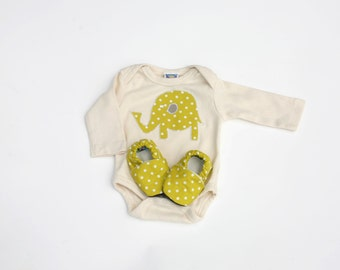 Elephant Baby Gift Set. Organic Natural Bodysuit with Organic Speckled Grass Shoes 0 3 6 12 months- Baby Clothes Eco Friendly Gift for Baby