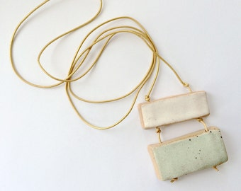 Double Bar necklace green + white