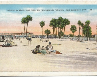 Municipal Beach and Pier Saint Petersburg Florida The Sunshine City Vintage Linen Postcard 1930's