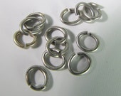 40 Matte Antiqued Silver Open Oval Jump Rings Mt265