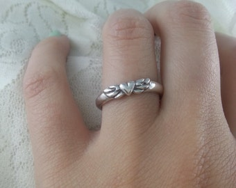 Simple Winged Heart Band in sterling silver handmade jewelry gift for her, heart with wings unique promise ring, memorial ring