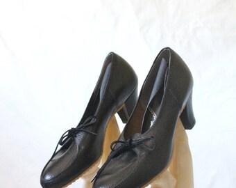Vintage 50's Black Leather Lace Heels Sz 8N