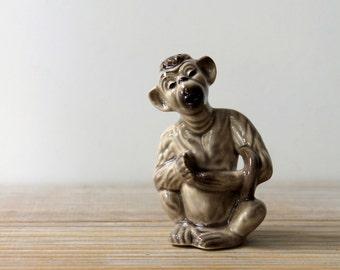 Vintage retro monkey salt shaker / mid century home decor / retro style kitchen / monkey figurine / 1950s kitsch home decor / brown beige