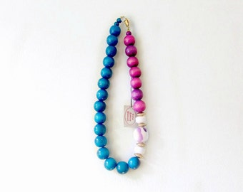 Vintage Necklace in Blue + Purple Saks Fifth Avenue Wood Beaded Necklace with Gold Detailing. Color Blocking Mod Necklace. Colorful Jewelry.