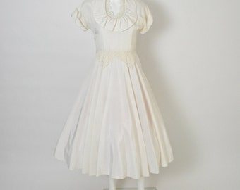 Vintage 1950s 50s Ivory Wedding Dress with Full Skirt and Lace Details Size Small