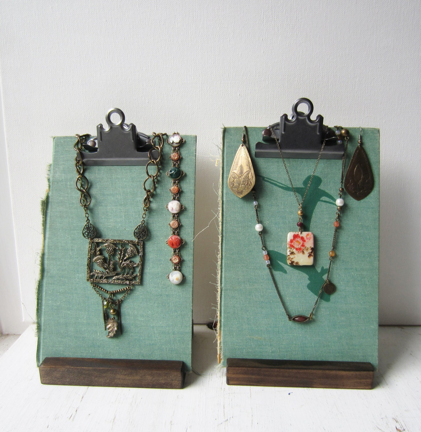 Jewelry display set necklace earring display aqua green for Jewelry displays