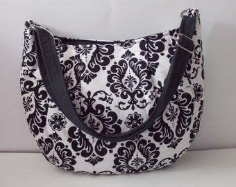 5486L  Handmade hobo purse