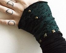 Elven style lace mitts with golden brass studs. Fantasy celtic accessories.