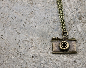 Vintage Camera Necklace // Photography Necklace // Antique Brass Necklace // Charm Necklace