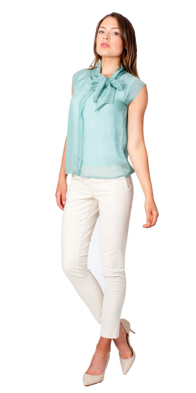 Светлая блузка