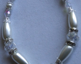 Pearl and crystal bracelet 0079FB