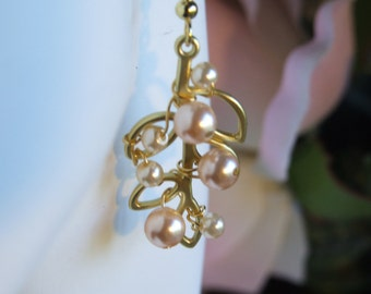 Gold leaf and pearl earrings 0675EA