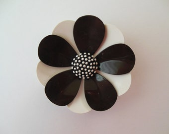 Vintage Crown Trifari black and white enamel flower pin