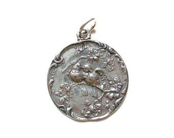 Love Birds Charm, Bird Charm, Bird Jewelry, Bird Pendant, Gold Charm, Silver Charm, Brittanium Charm, Charm Bracelet, Brittanium, Britanium