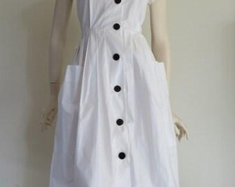 Vintage 80s Retro Deadstock White Dress / Small Medium / Large Pockets / Full Skirt