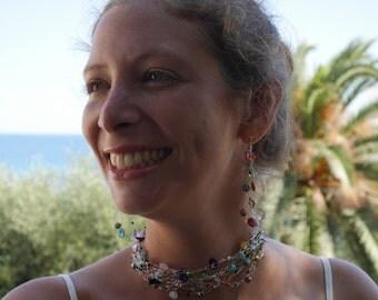 Wire crochet jewelry for women made in France. Necklace / bracelet / hair jewelry / belt.