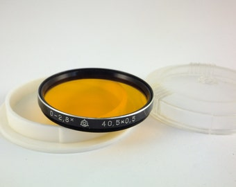 Vintage Camera Orange Filter Lens in Plastic Case 0 - 2.8x , 40.5mm x 0.5