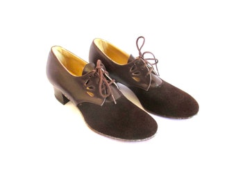 1960s Mod Lace Up Oxfords Perforated Suede & Cutout Leather Sz. 6B
