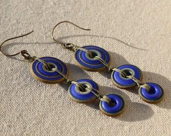 Geometry in motion - rustic discs, lampwork earrings