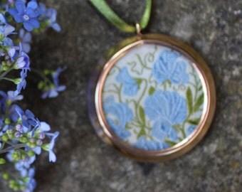 Vintage Glass Locket with Kensita Sweet Pea Silk Flower