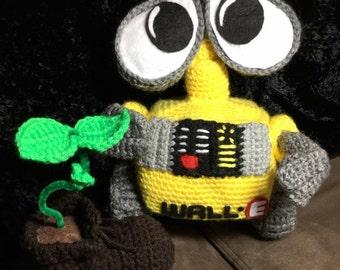 Crochet Wall-e amigurumi doll- eve-eva