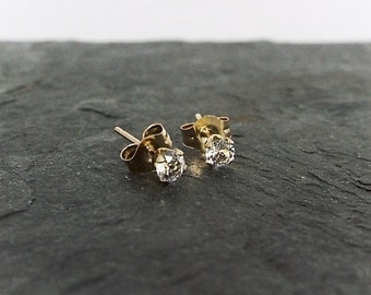 Sunfire Jewelry - Earrings - Solid Gold 14k with White Topaz Gemstones Ear Studs, Petite 3mm