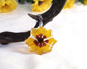 Handmade Flower Resin Pendant  - Real Pressed Flower Encased in Resin,  Botanical Necklace, Flower resin jewelry