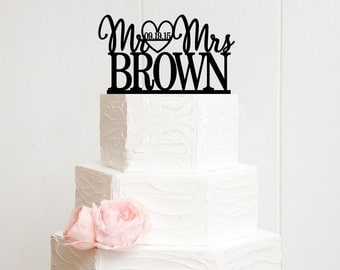 Personalized Wedding Cake Topper - Custom Mr and Mrs Design with Heart and Wedding Date - 0011