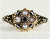 Victorian Mourning Ring set with Pearls and Banded Agate in 18k Gold