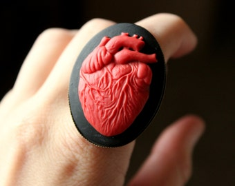 FLASH SALE, Anatomical Heart Cameo Ring in Bronze, Adjustable Heart Ring, Anatomic Heart Ring, Cameo Heart Ring, Gothic Anatomy Ring