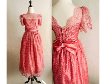 1960s Pink Lace Party Dress Vintage 60s Sweetheart Neckline Prom Gown Small