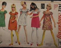 Sewing Pattern Simplicity 7472 for a Woman's Empire Dress in Size 8