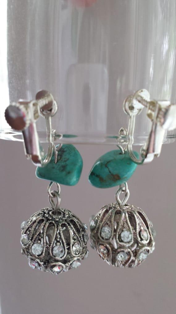 Vintage turquoise screw back earrings