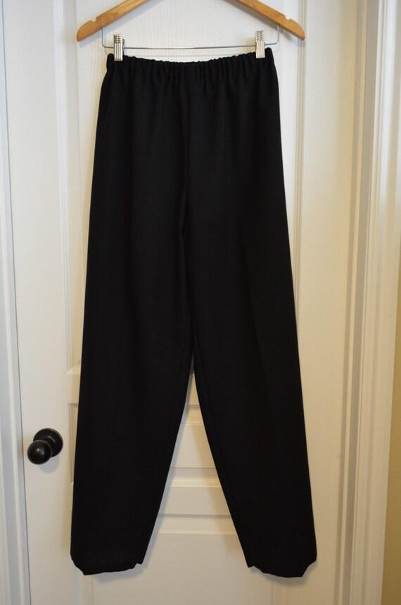 ladies's black knit pants