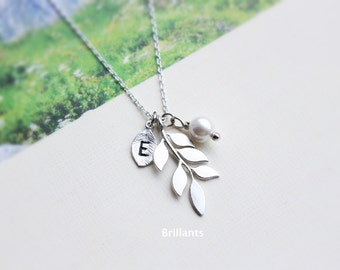 Personalized Leaf and pearl pendant necklace in silver, Branch necklace, Bridesmaid jewelry, Everyday necklace, Wedding necklace