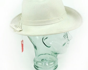 Women's Betmar New York White Wool Felt Hat Vintage New Made in USA Wide Brimmed Vintage Sun Hat Retro Medium Size Ladies Lady Hat