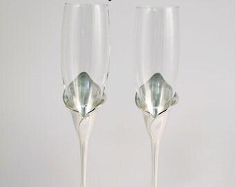 Personalized Wedding Flutes - Engraved - Silver Calla Lily Stem Wedding Champagne Flutes - Custom Wedding Toasting Flutes - Gift - Keepsake