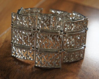 Vintage  Jewelry  Bracelet  Silver Filigree Openwork Stamping   White/ Gift for Her S-041