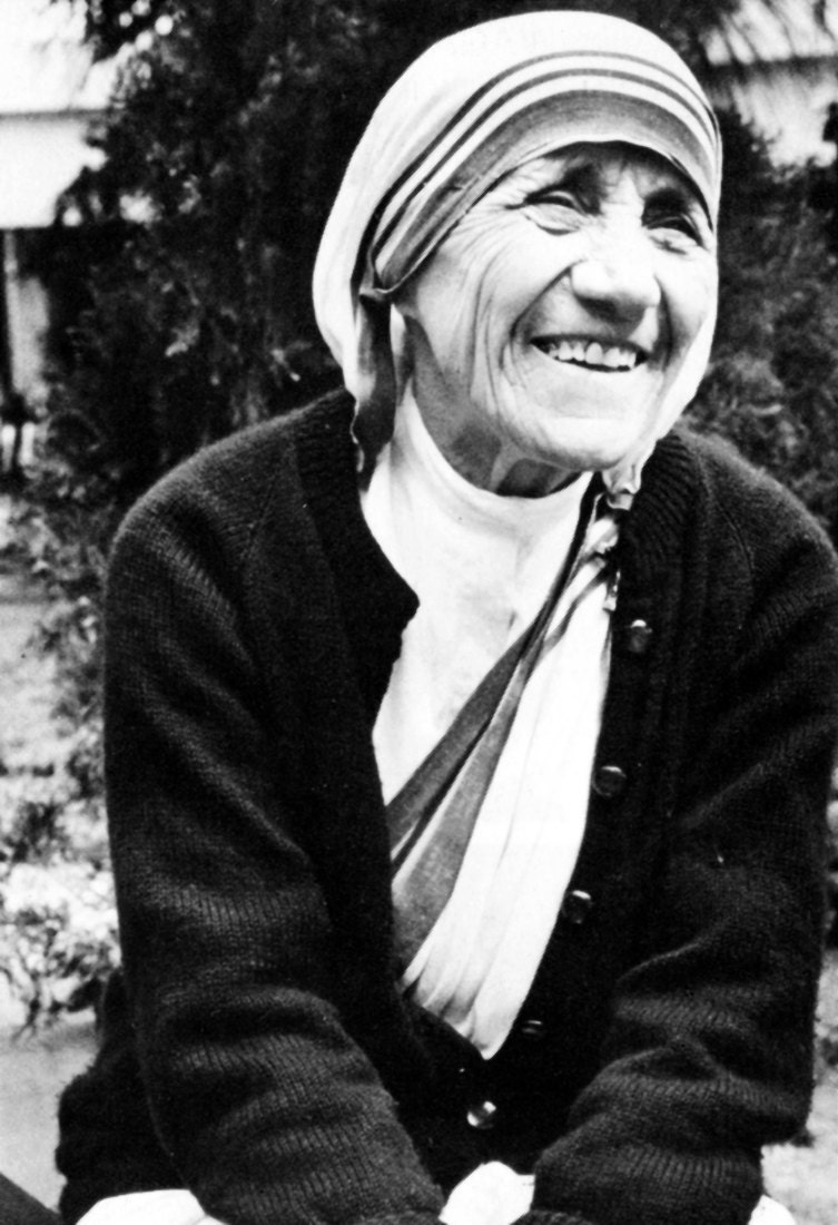 a biography of mother teresa a humanitarian In 1979 she was awarded the most prestigious prize in the world, the nobel peace prize, for her humanitarian work her labor made her so worthy that, in reality, she gave honor to the prize, rather than the other way around agnes gonxha bojaxhiu was born in 1910 to albanian parents in skopje, which at the time was.