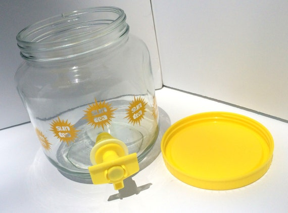 Vintage Sun Tea Glass Jar Pitcher With Yellow By