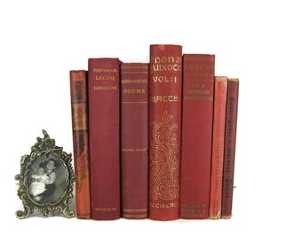 Red Vintage Books , Red Book Bundle , Book Decor , Red Decorative Books , Wedding Prop , Photo Prop , Vintage Books , Old Books
